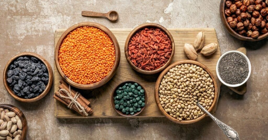 Low Carb Legumes Can You Eat Beans And Peas On Keto Diet Ketogenic Diet Food List Keto Diet Food List Low Carb Vegetables