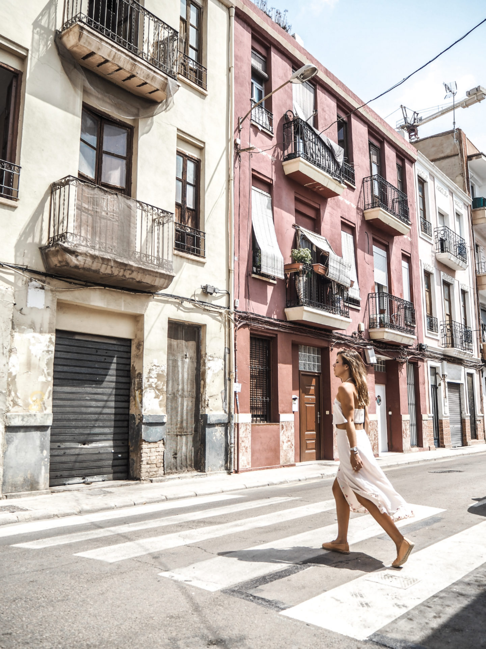 48 Instagram Worthy Hours In Valencia Little Black Shell Vakantie Foto Valencia Spanje Vakantie Foto S
