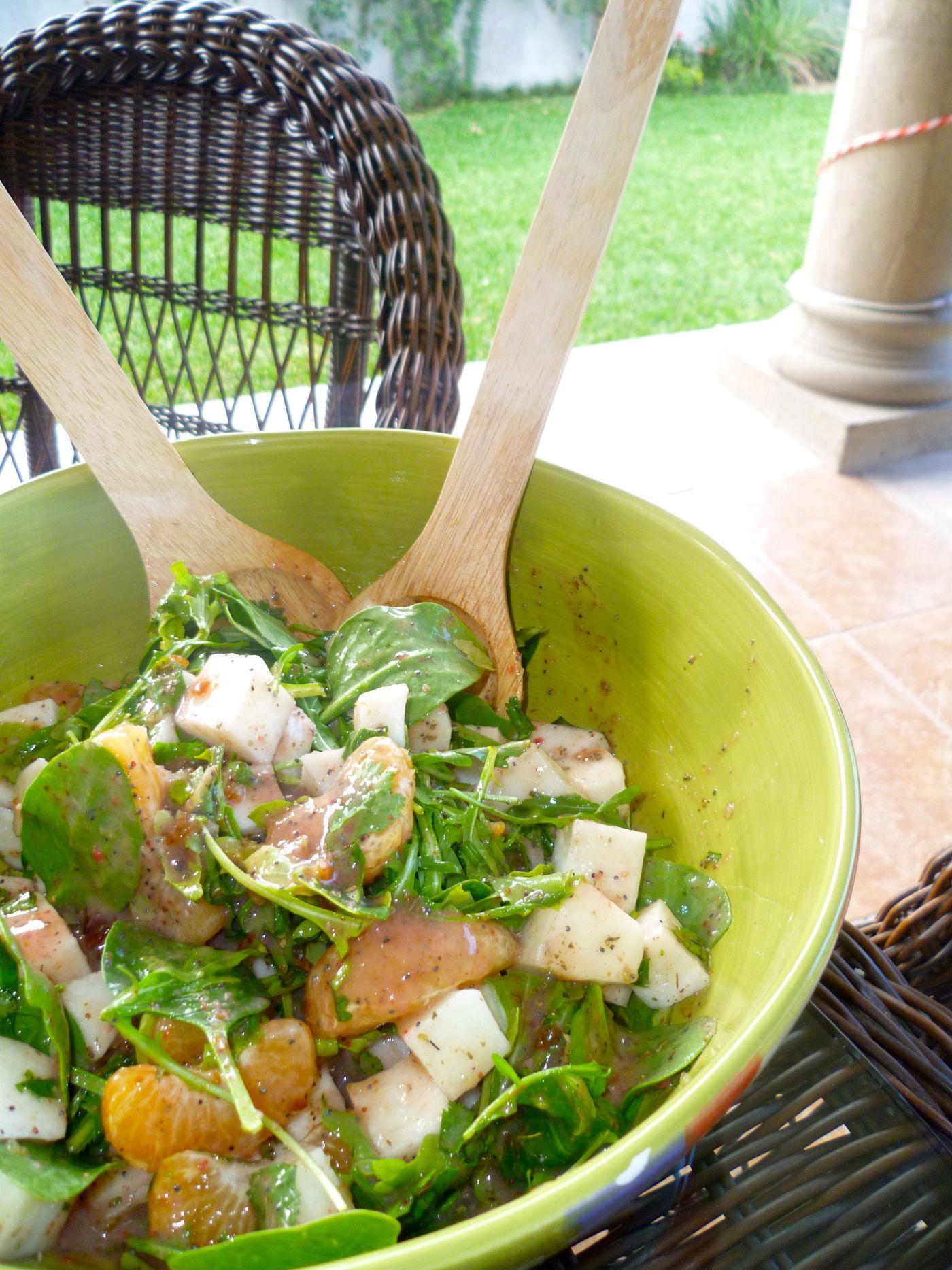 Berry tangerine salad