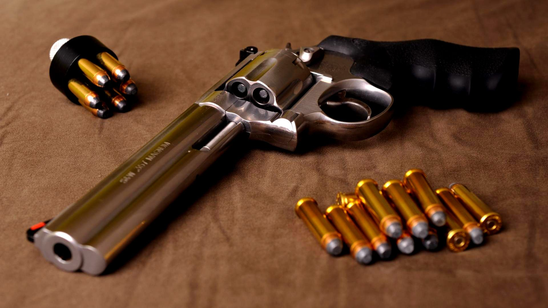 Revolver Smith & Wesson Cartridges Wallpaper - http://www.gbwallpapers.com/revolver-smith-wesson-cartridges-wallpaper-2/ (Cartridges, Revolver, Smith & Wesson, Wallpaper / Other)