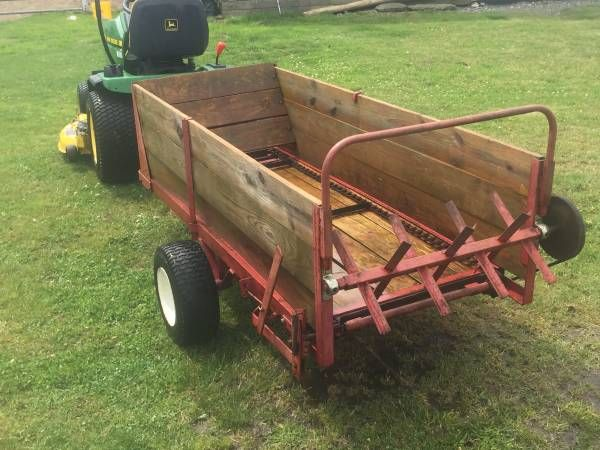 Manure spreader in great condition. Can hook up to arc or lawn mower works great $500