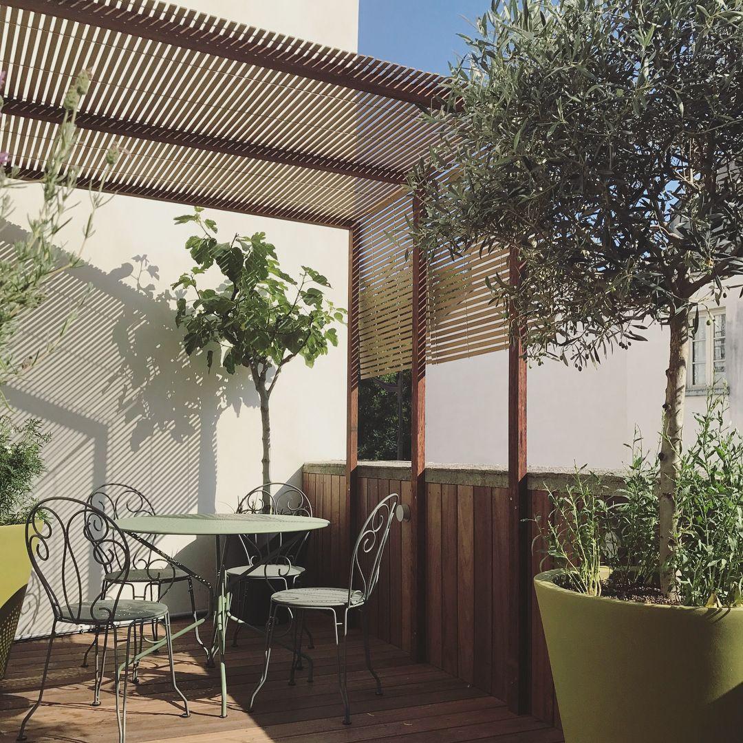 Aménagement d\'une terrasse dans un style méditerranéen : platelage ...