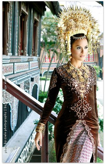 Minang Padang Bride. In case I want to do wedding in 2 traditions, West Sumatera, Indonesia