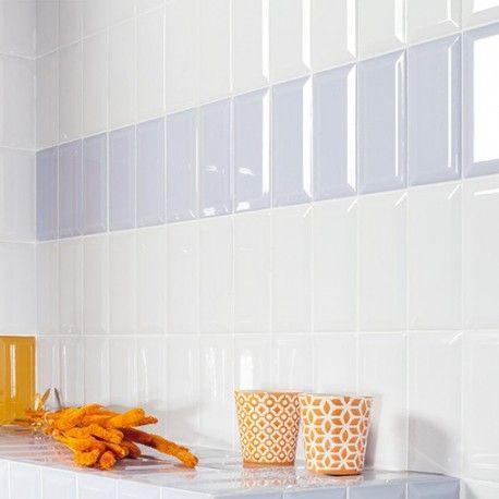 Carrelage mural métro blanc brillant biseauté disponible chez - pose carrelage mural salle de bain