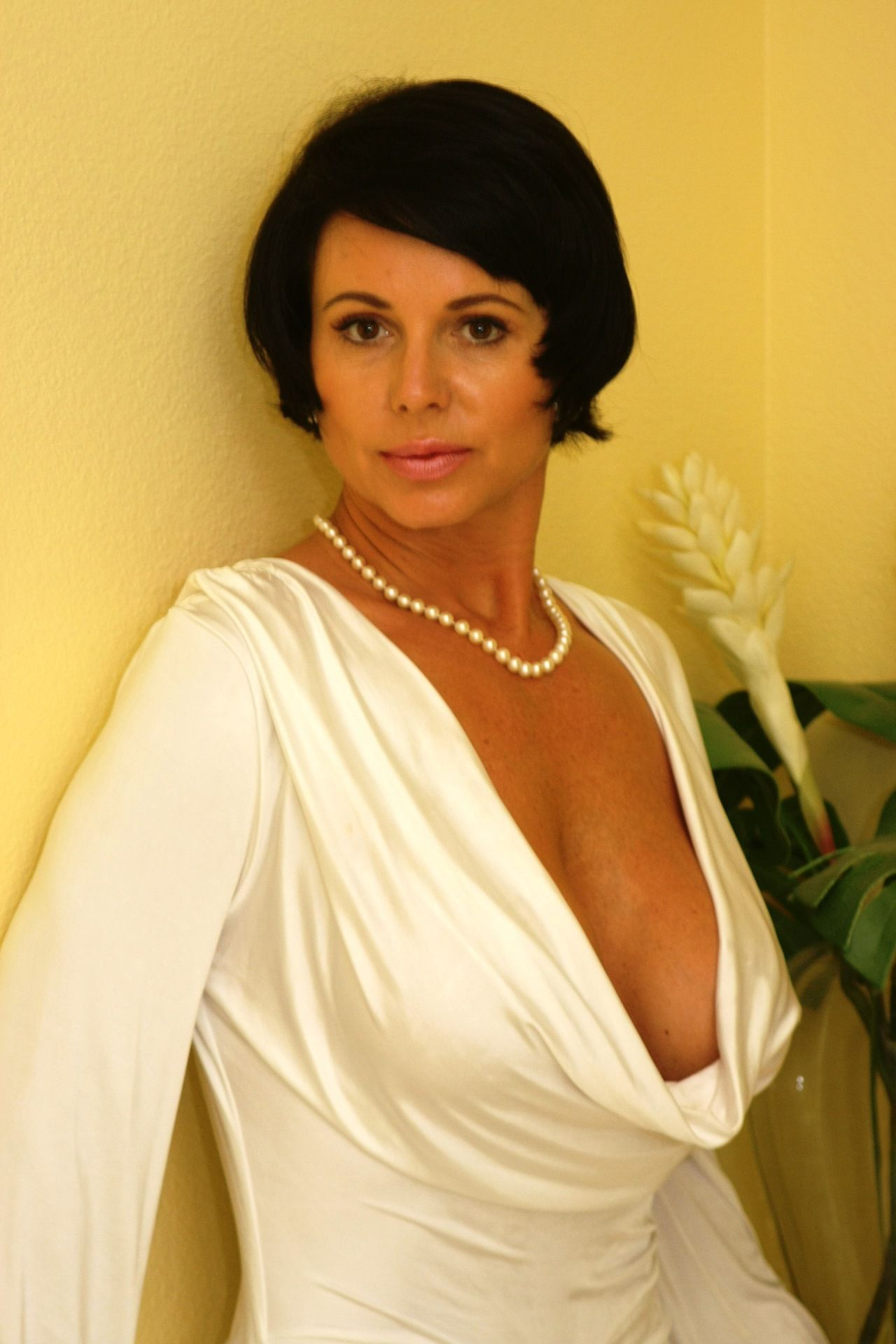 Mature pearl necklace
