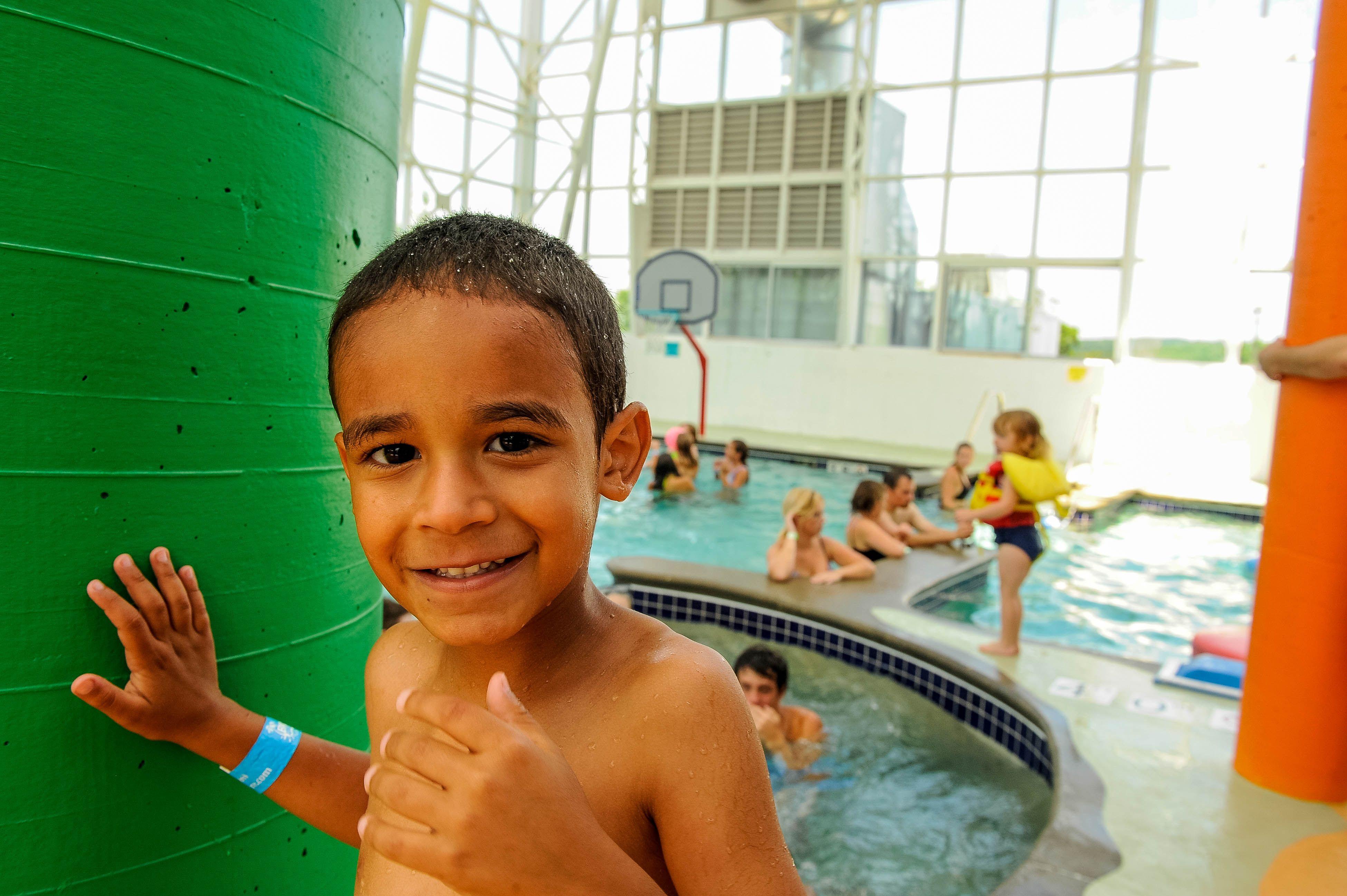 Big Splash Adventure Indoor Water Park And Hotel Is The Perfect Family Getaway Waterpark Indiana Tr Indoor Waterpark Indoor Water Park Resorts Park Resorts