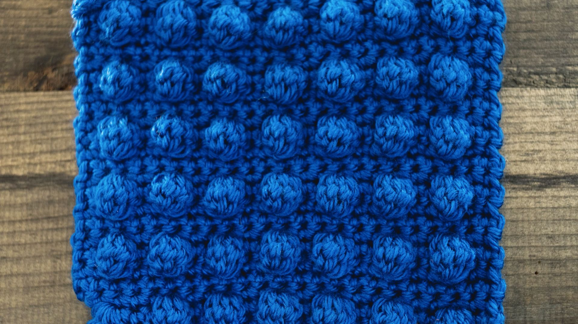 How to Knit a Bobble Stitch | You are not going to want to miss out on this super easy-to-follow crochet video! Learn all about the bobble stitch and how easy it is to make.