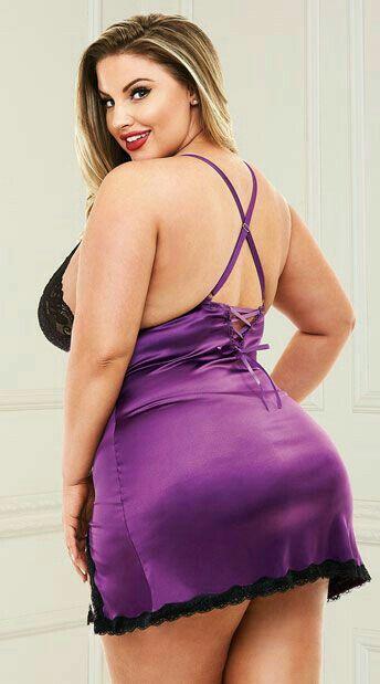 SHANNA: Nice chubby ass