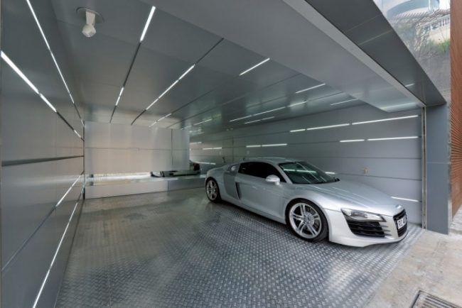 Renoviertes Haus Futuristische Garage Urbaner Chic