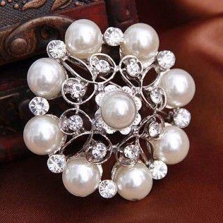 Fashion Elegant Pearl Rhinestone Flower Woman Brooch