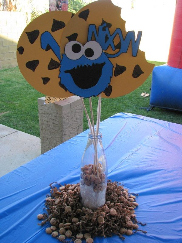 Diy st birthday cookie monster centerpieces nixyn s