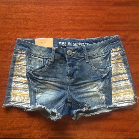 Low waist shorts Low waist & straight hip shorts - brand new, never worn! Mossimo Supply Co Jeans
