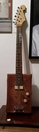 Jewellery box guitar