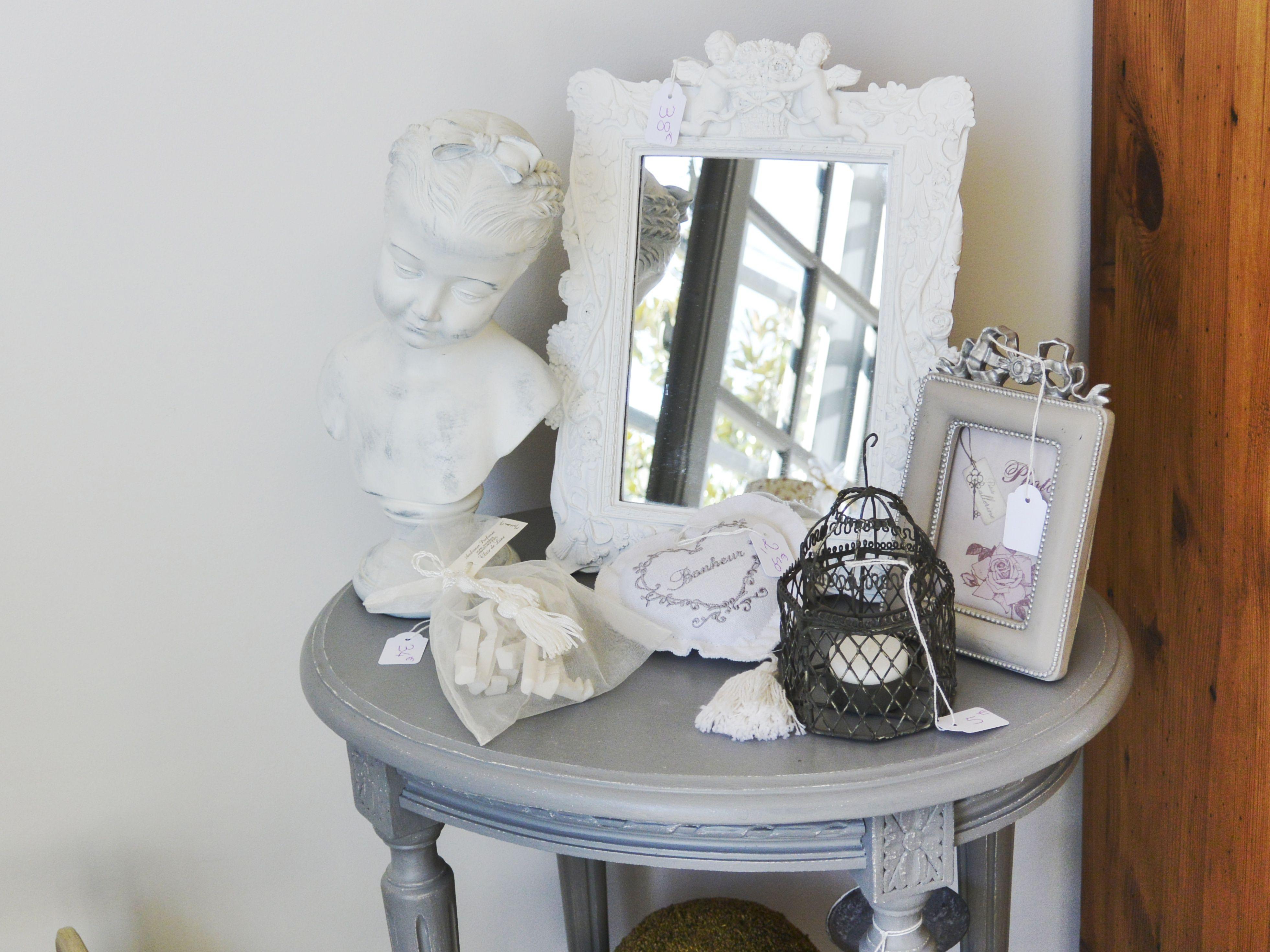 nouvel espace showroom chez gris groseille ouvert le samedi le dimanche de 14h30 19h30. Black Bedroom Furniture Sets. Home Design Ideas