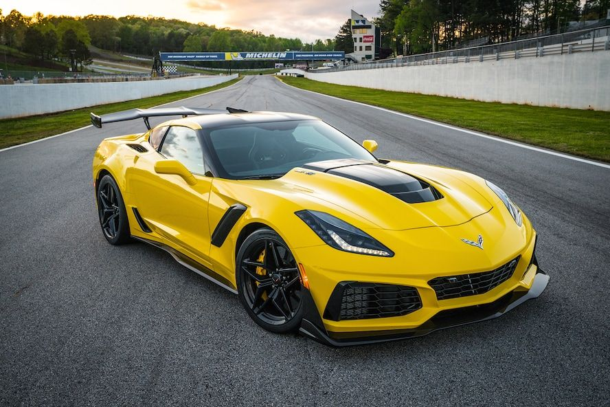 From Past To Present The Chevrolet Corvette Zr1 Corvette Zr1 Chevrolet Corvette Chevy Corvette