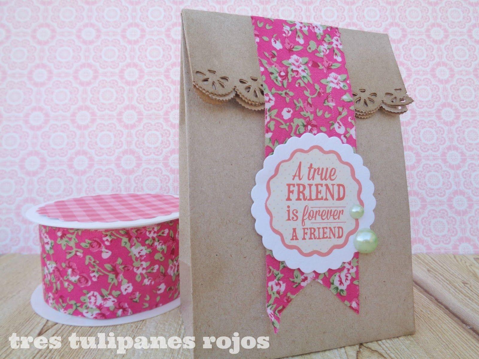 Tres tulipanes rojos envolver regalos con bolsitas de - Envolver regalos con papel de seda ...