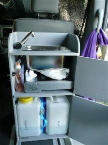 Mueble fregadero cocina camper buscar con google furgor pinterest fregaderos cocina - Muebles furgoneta camper ...