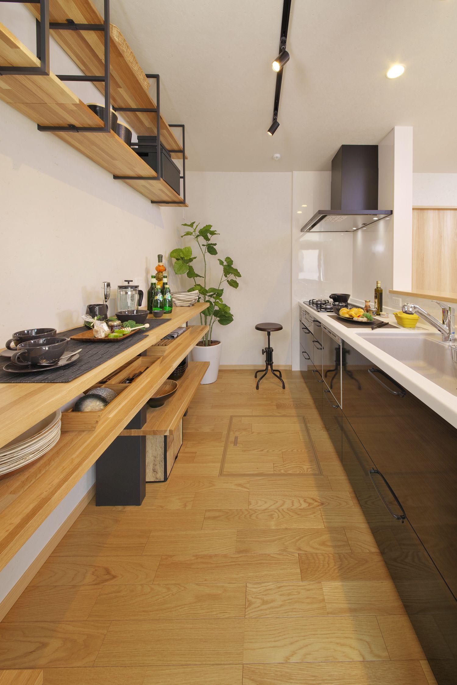 対面キッチンとカップボード 2020 キッチン 注文住宅 カップボード