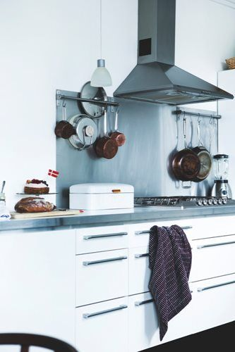 home in copenhagen via planete deco Kitchen inspo Pinterest