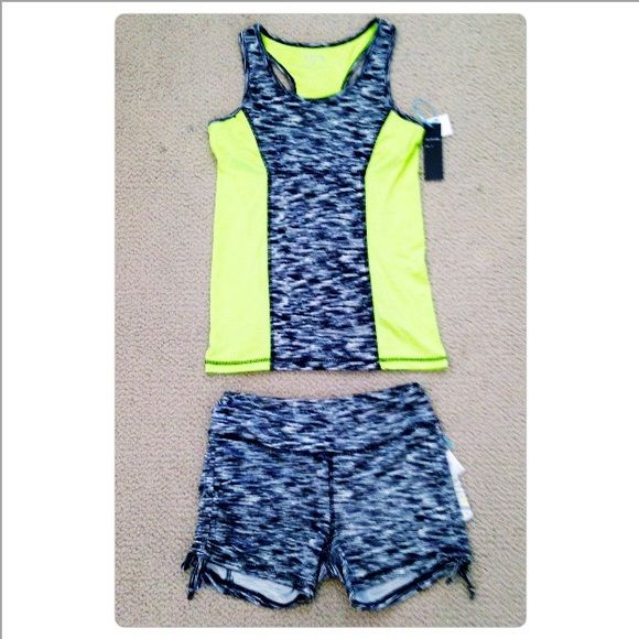 Neon Green&Black Exercise Top/Shorts NO TRADES NWT size small Accessories