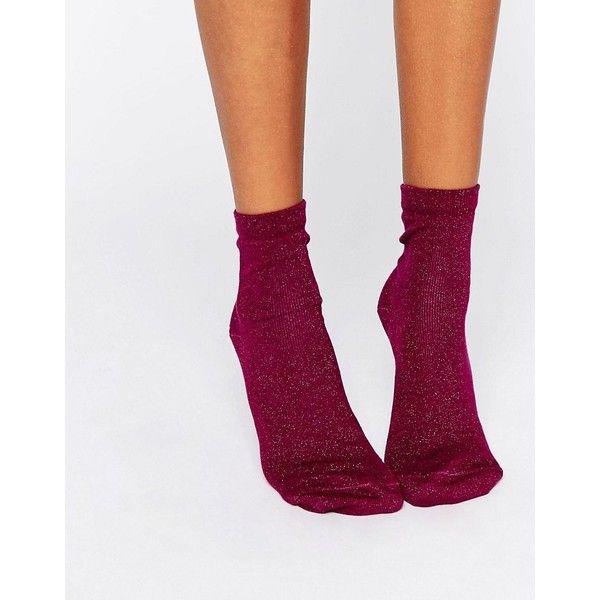 ASOS Glitter Ankle Socks (€5,40) ❤ liked on Polyvore featuring intimates, hosiery, socks, purple, asos, tennis socks, glitter hosiery, ankle socks and short socks