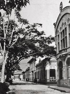 Avenida Izquierda con Calle Carúpano Medellín 1920