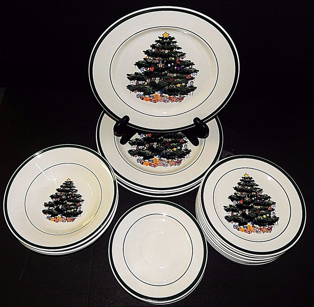 4 Place Settings Totally Today CHRISTMAS TREE White Red Green Plates 20 Piecesu2026 & 4 Place Settings Totally Today CHRISTMAS TREE White Red Green Plates ...