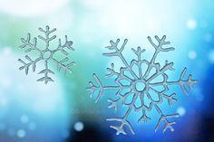 Schneekristalle aus Heißkleber