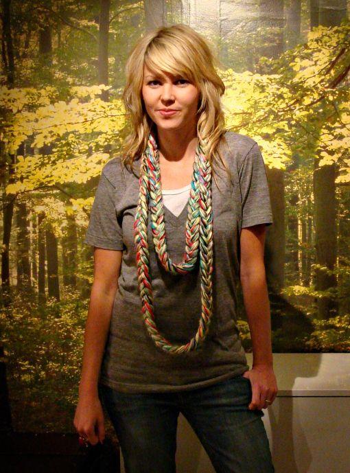 Braided yarn scarf scarf diy craft craft ideas yarn diy ideas diy braided yarn scarf scarf diy craft craft ideas yarn diy ideas diy crafts do it yourself solutioingenieria Image collections