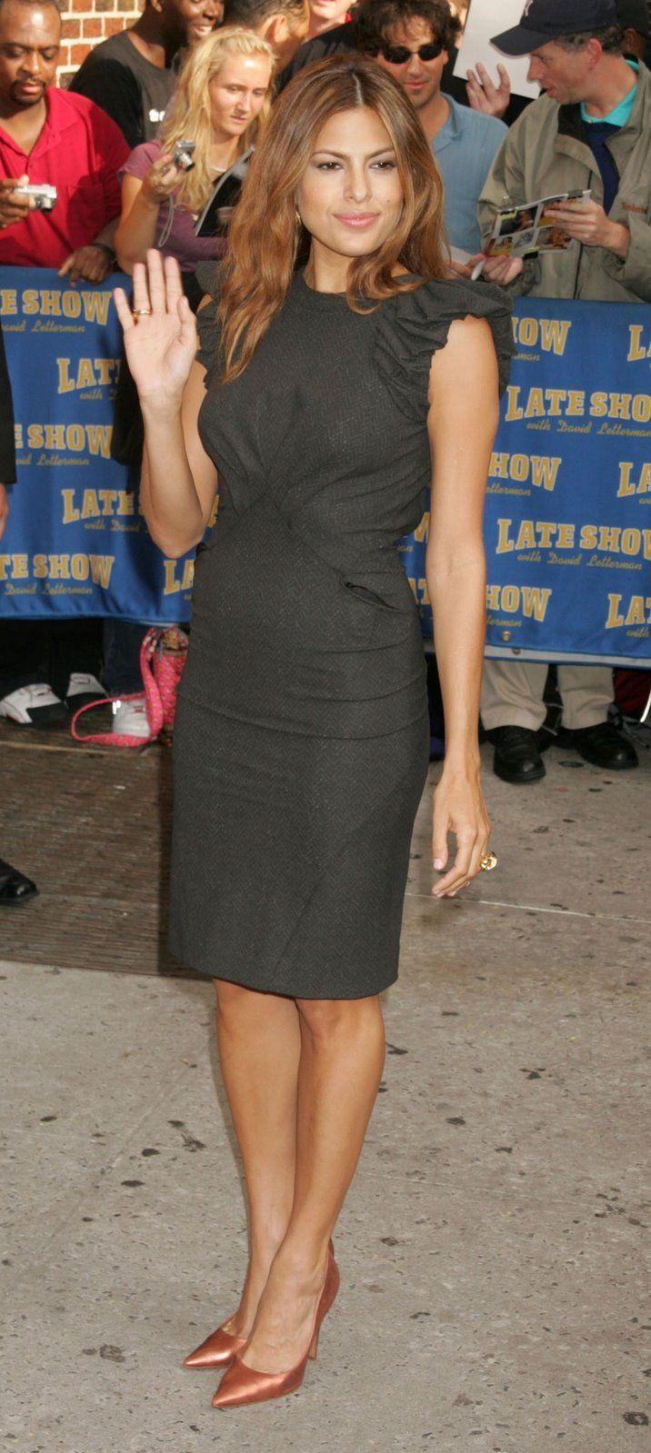 Eva Mendes in Zack Posen dress