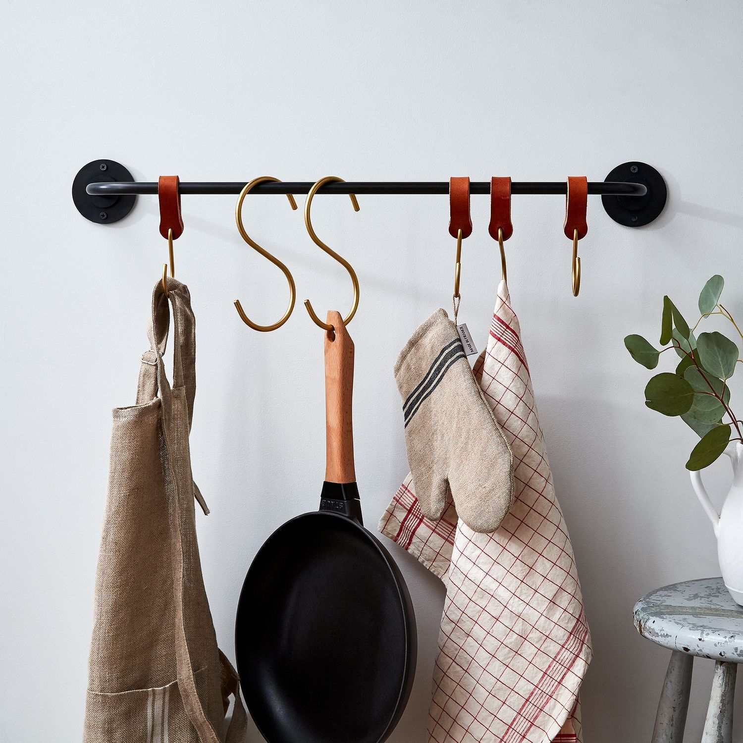 Americanmade iron pot rack u brass shooks on food want