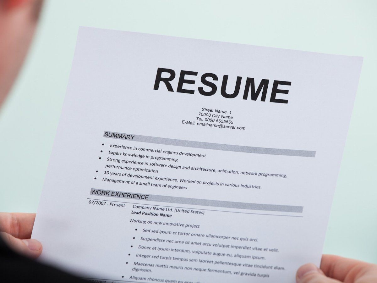 29 things you should never include on your rsum - What Should You Take To A Job Interview What To Bring And What Not To Bring