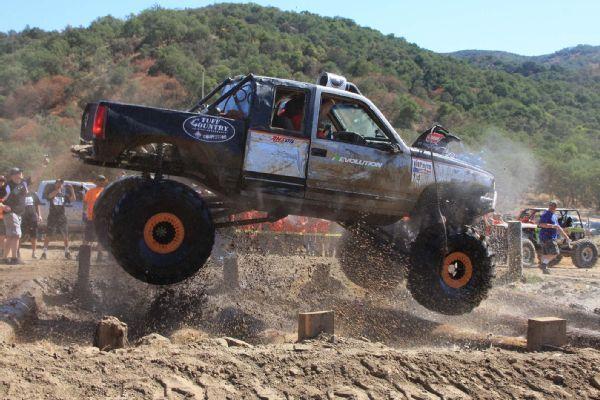 Top Truck Challenge 2014  16  1992 GMC K1500 Frame Twister