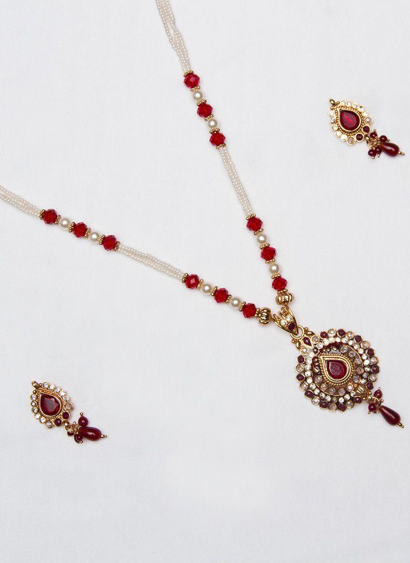 beautiful moti enhanced pendant set accessorize it up