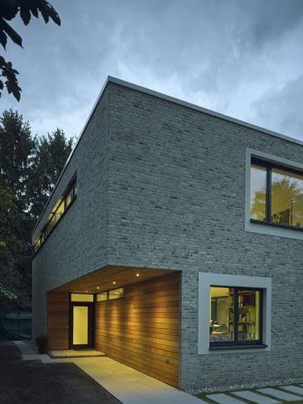 Einfamilienhaus Mit Atrium: Moderne Häuser Von ARCHITEKT MECKLENBURG