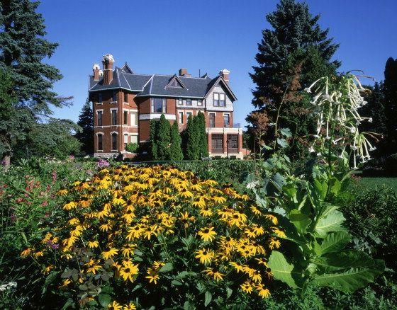 4c9e5be80e604b5a423e2e905dacf5d9 - Who Owns The Gardens Of Cedar Rapids