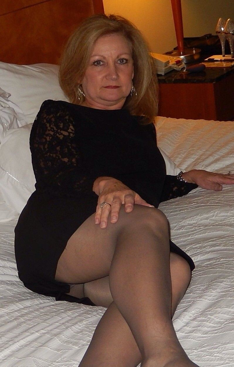mature upskirt | hot mature ladies, milfs and gilfs | pinterest