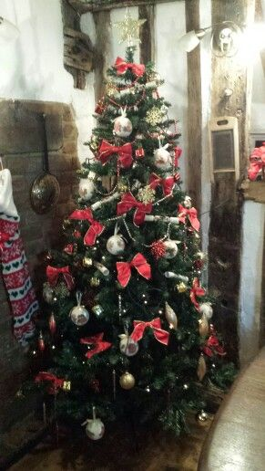 Traditional Style Tree