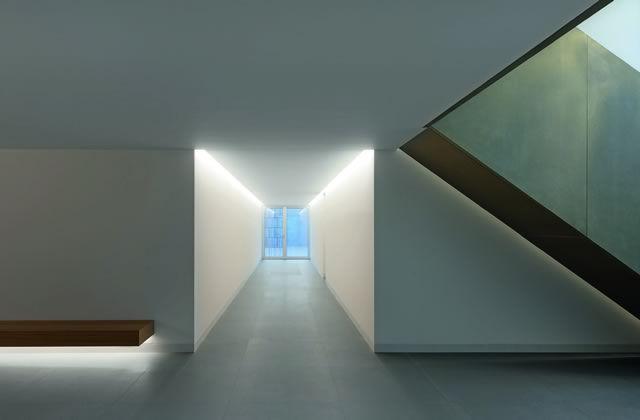 Corridor inside the Casa delle Bottere . Photo by Marco Zanta.