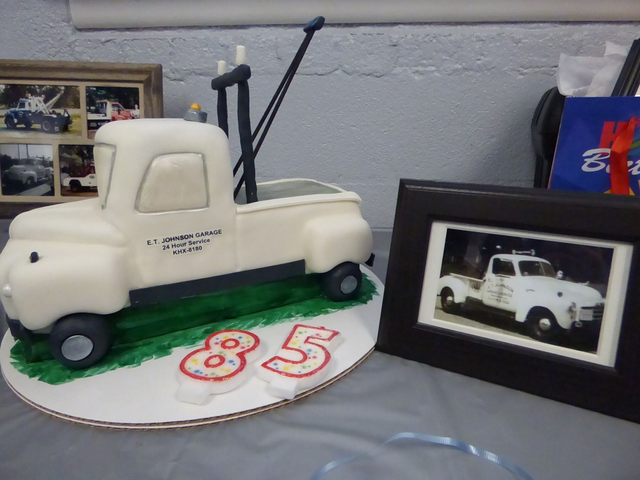 Tow Truck Cake Vintage 1949 Gmc Tow Truck Tow Truck Birthday Party