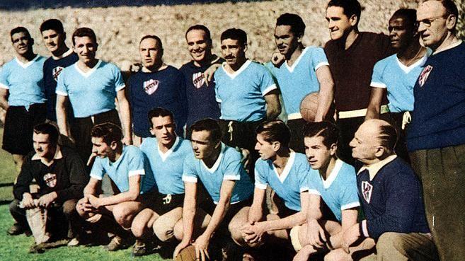 A 20 años de su partida recordamos a la GRAN leyenda del fútbol uruguayo: Obdulio Varela >>  https://t.co/22Qxr9haXJ
