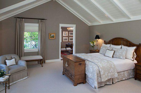 Einrichtungsideen Landhaus Schlafzimmer Dachschräge Bett Kommode