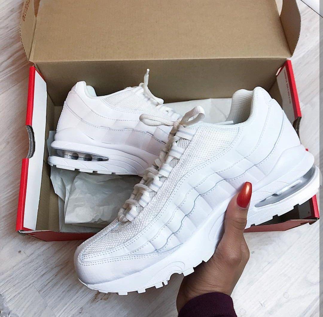 Nike Air Max 95 in pure whiteweiß Foto: i.am.rachel