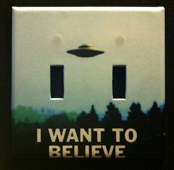 """X-Files """"I want to believe"""" double light switch cover"""