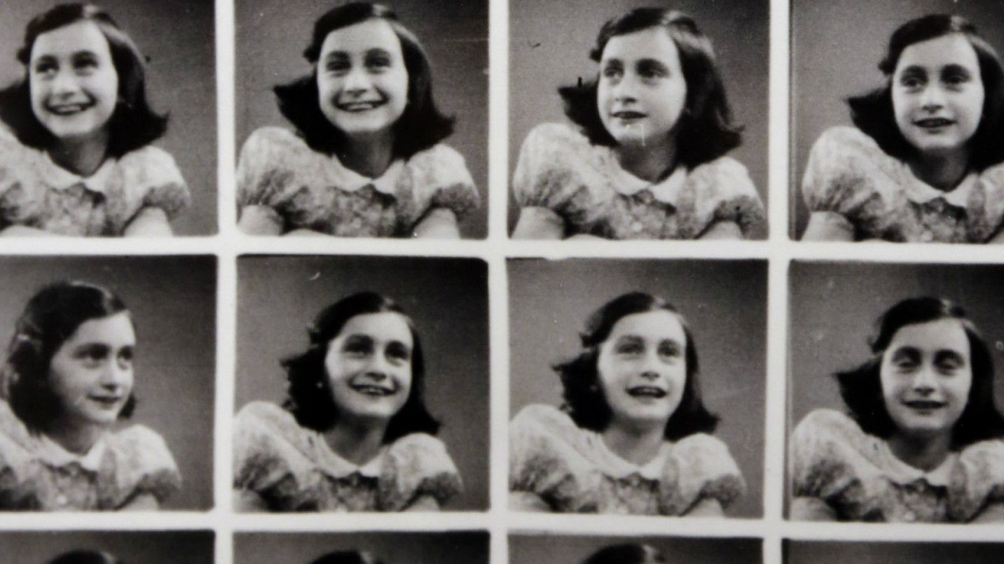 Column The Squabble Over Anne Frank S Diary Shows The