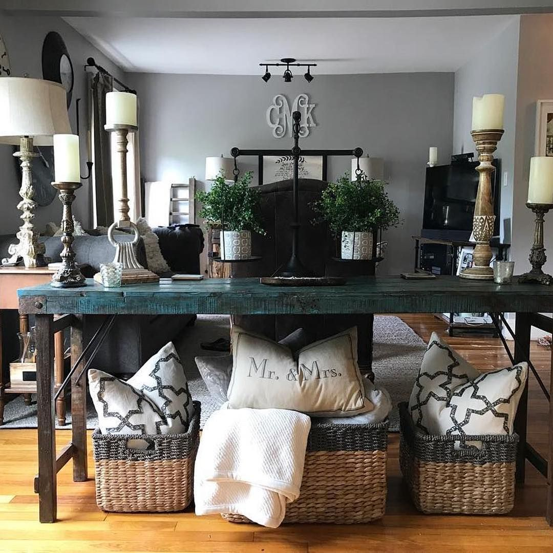 What a warm & cozy room Courtney created! Thx for ...
