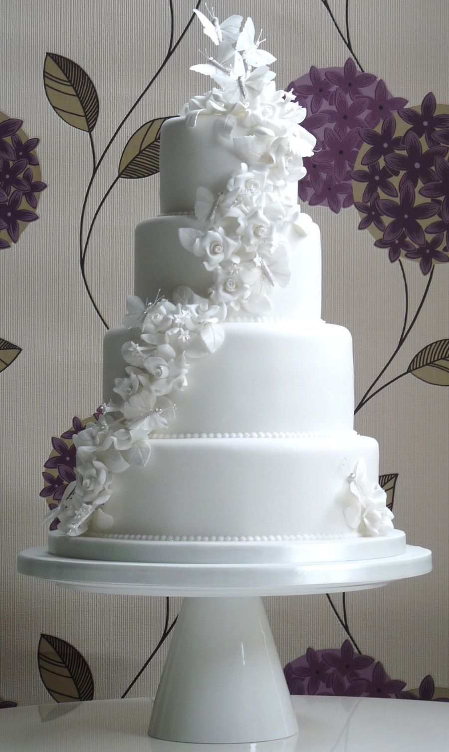 Beautiful Wedding Cakes With Butterflies With White Butterfly ...