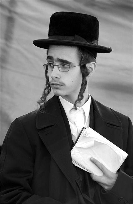 hasidic jews - Google Search | Jewish men, Jews, Jewish hat men