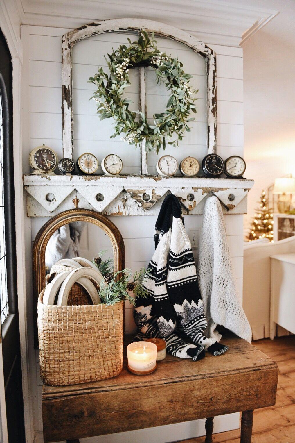 Cozy Farmhouse Christmas Entryway | Pinterest