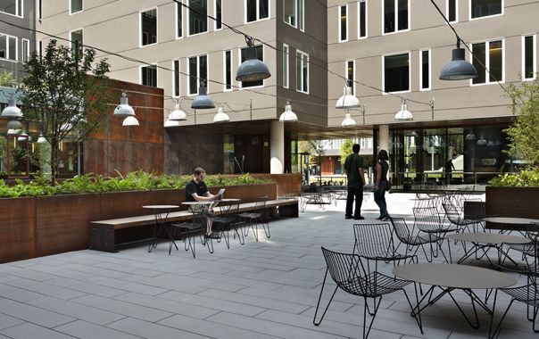 Alder Hall Mahlum Apartment Architecture Courtyard Landscaping Architecture